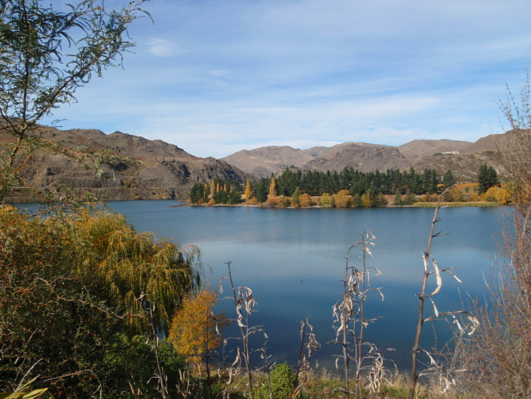 Lake Dunstan, Central Otago in Autumn