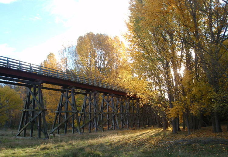 Central Otago in Autumn - rail trail bridge in Clyde