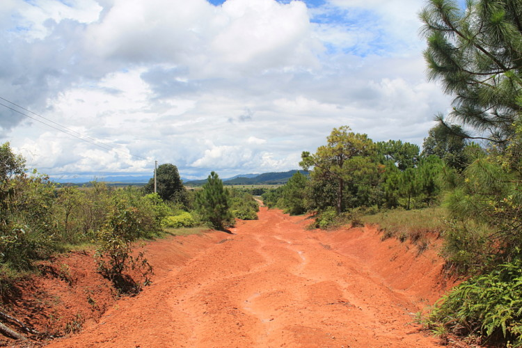 The road leading to Jar Site 2 in Phonsavan, Laos