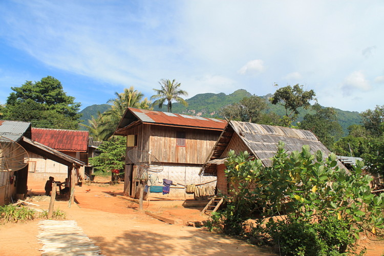 A small village on route from Nong Khiaw to Muang Ngoi