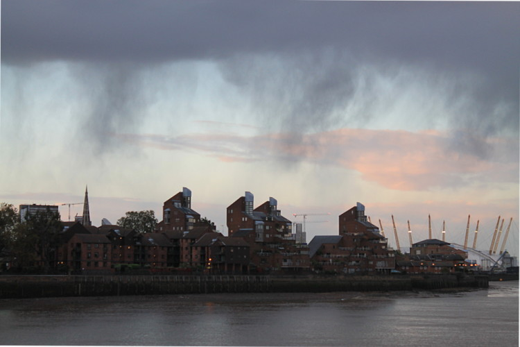 A storm brewing in London - the end of my pop cultural tour of London