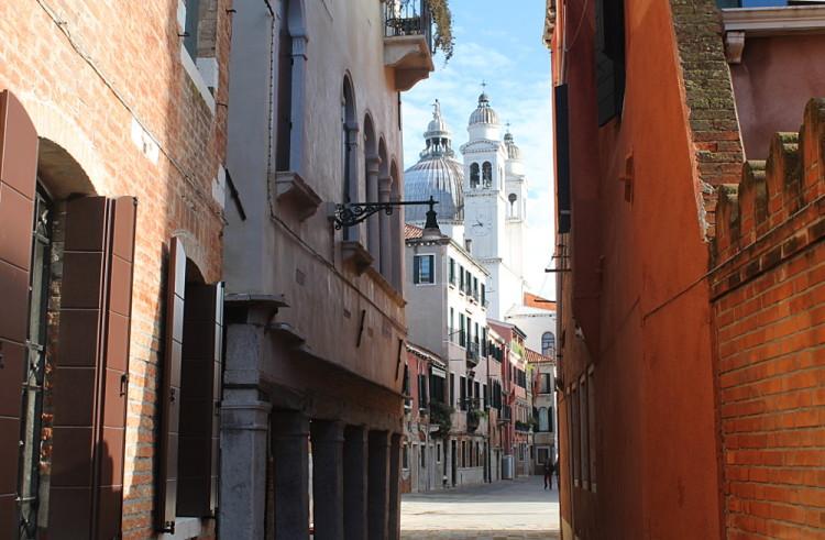 Cheap Romance in Venice, Italy