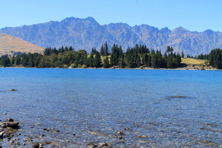 Lake Wakatipu and the Remarkable mountains in Queenstown, New Zealand
