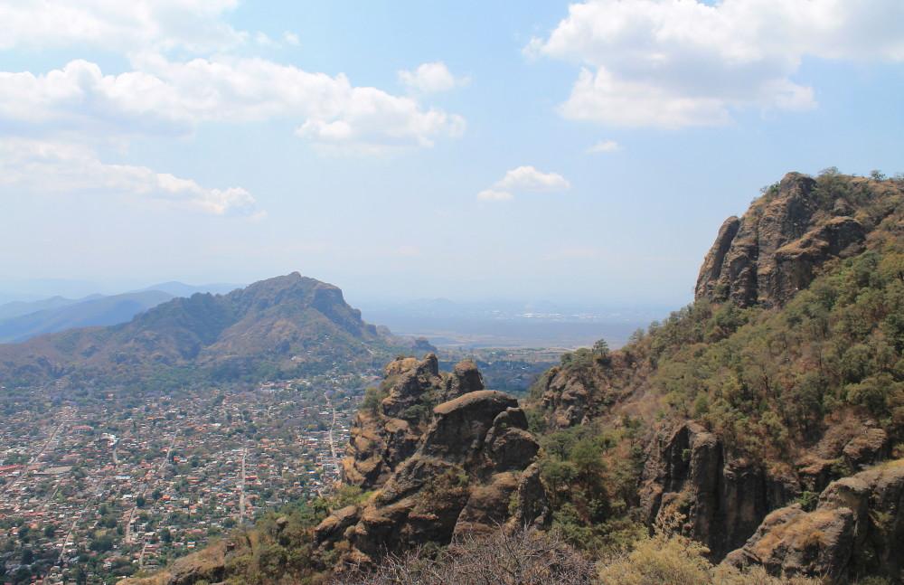 view-tepoztlan-mountain-mexico
