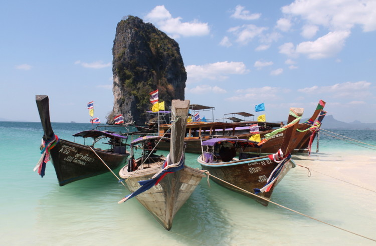 Boats on Koh Poda, part of the island hopping in Krabi tour