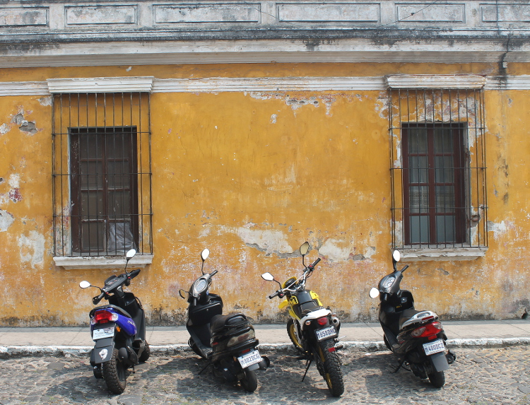 colonial-contrasts-antigua-guatemala