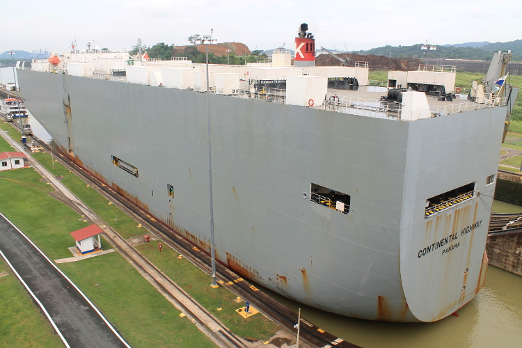 Things to do in Panama City -- The Miraflores Locks