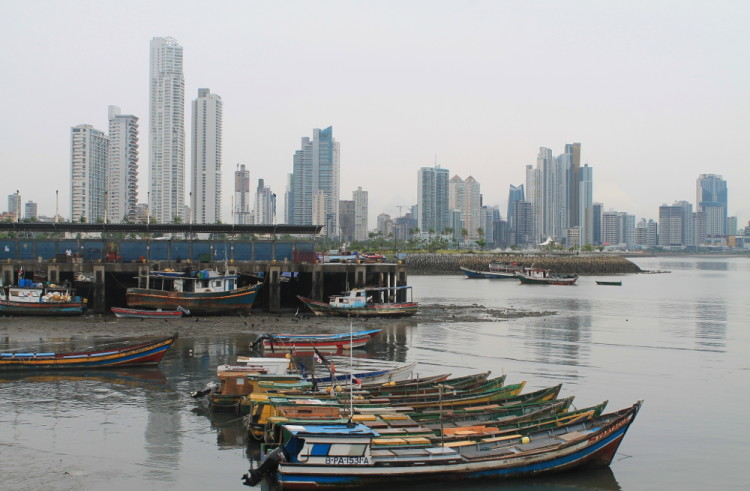 Things to do in Panama City -- Walking from Casco Viejo to downtown