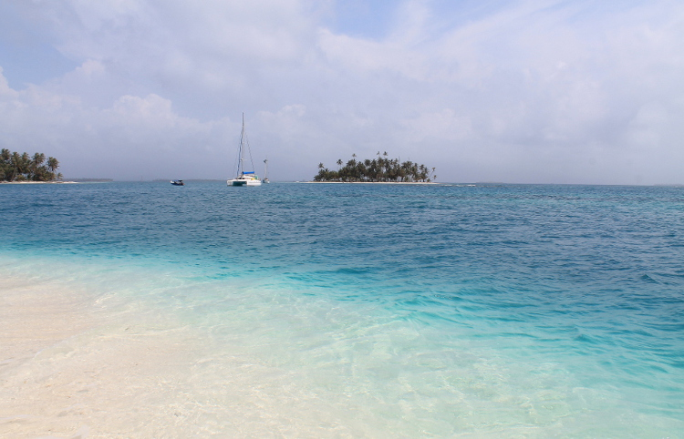 Panama to Colombia - a San Blas beach