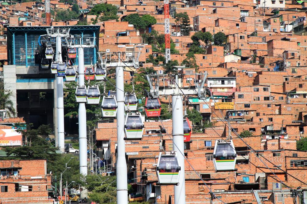ผลการค้นหารูปภาพสำหรับ Metrocable (Medellín)