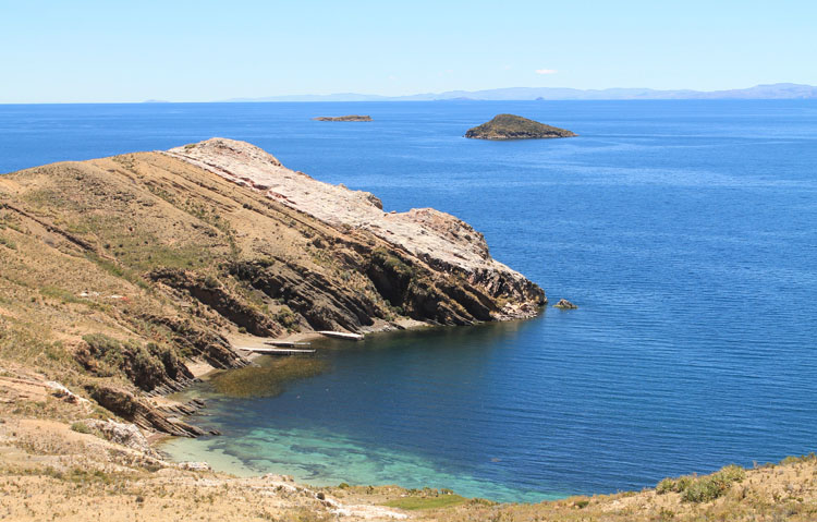 Hiking Isla del Sol, Bolivia: A deserted cove