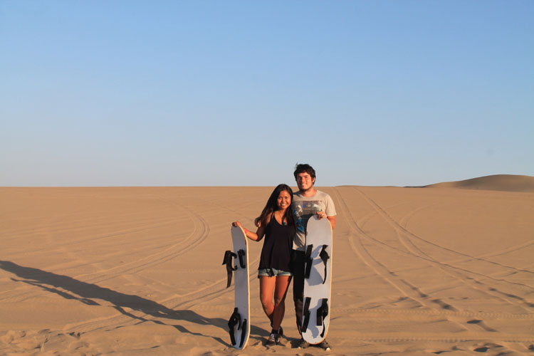 sand-boarding-huacachina-peru