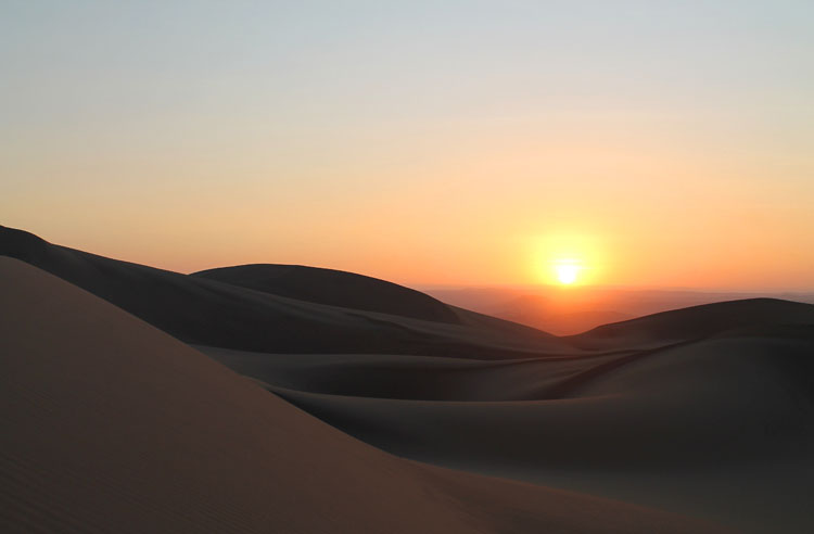 sunset-huacachina-peru