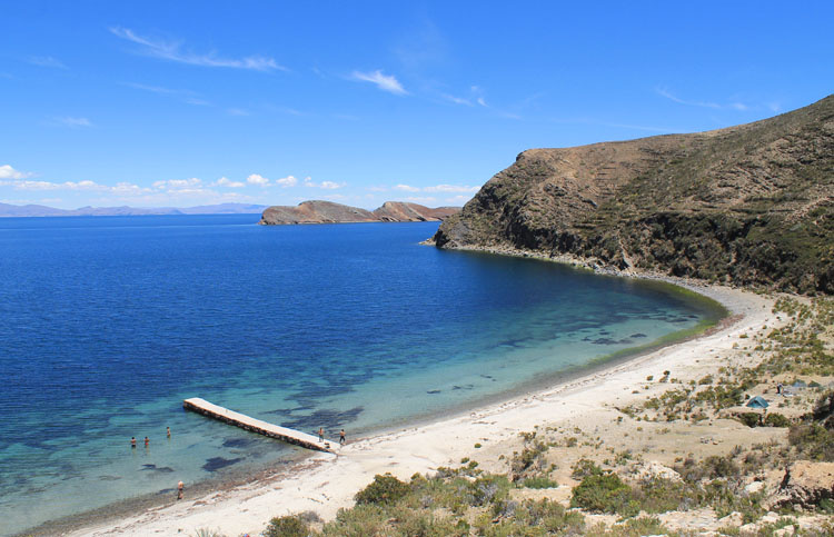 Hiking Isla del Sol, Bolivia: A white sand beach