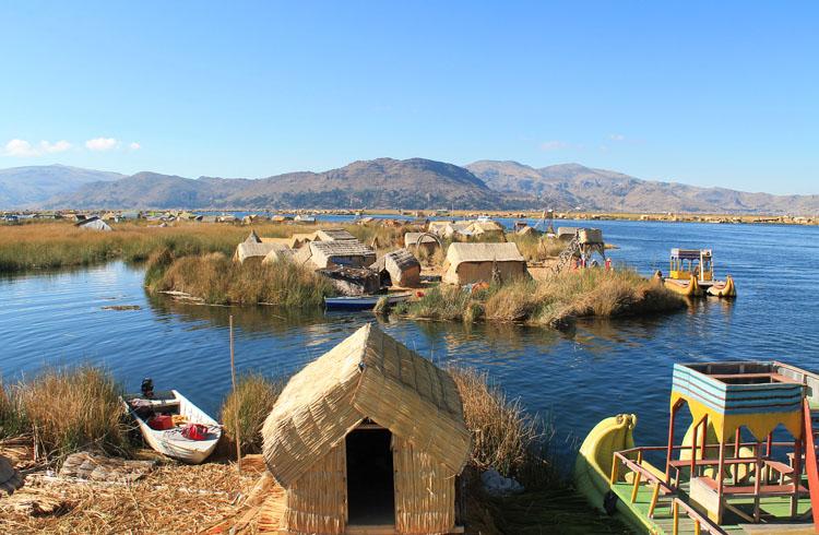 Cusco to La Paz - Uros floating islands tour