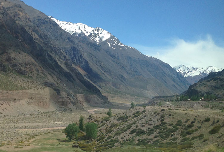 Buenos Aires to Santiago by bus: Great mountain scenery