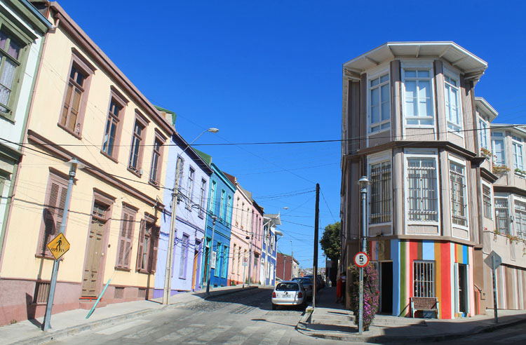Day trip to Valparaiso, Chile: Neat town houses