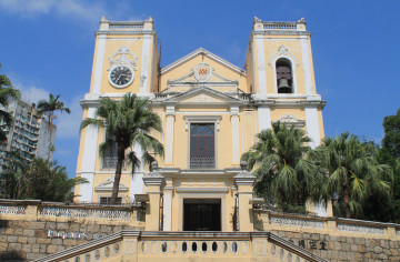 A day trip to Macau: St Lawrence's Church