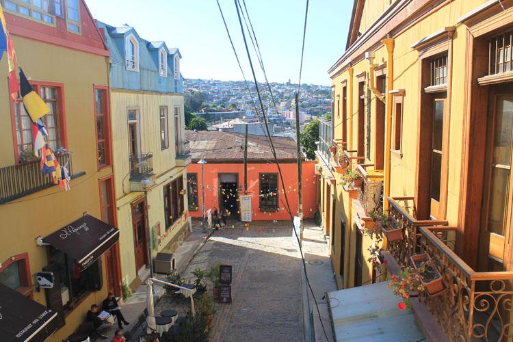 Day trip to Valparaiso, Chile: Cerro Concepcion cafe and shopping area