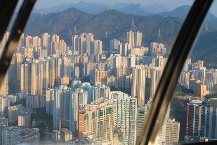 Backpacking in Hong Kong: A helicopter ride to the New Territories