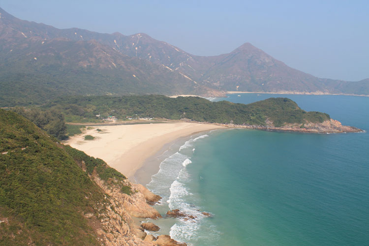 Backpacking in Hong Kong: Coastal scenery in the New Territories