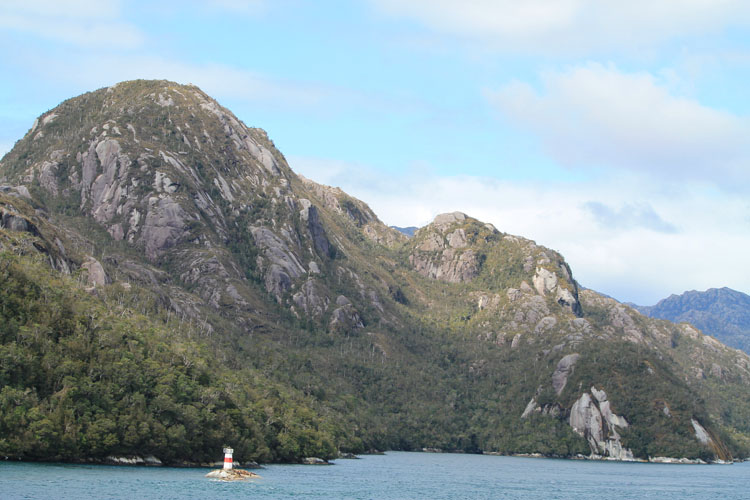A budget cruise through Patagonia on the Navimag ferry from Puerto Montt to Puerto Natales: Rugged mountains
