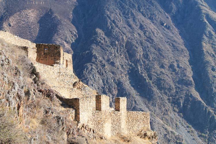 pinkyulluna-ruins-sacred-valley-peru