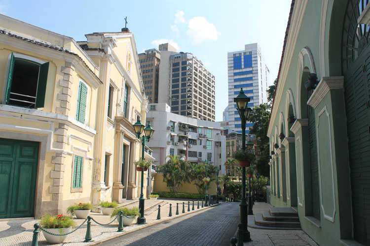 A day trip to Macau: Portuguese buildings