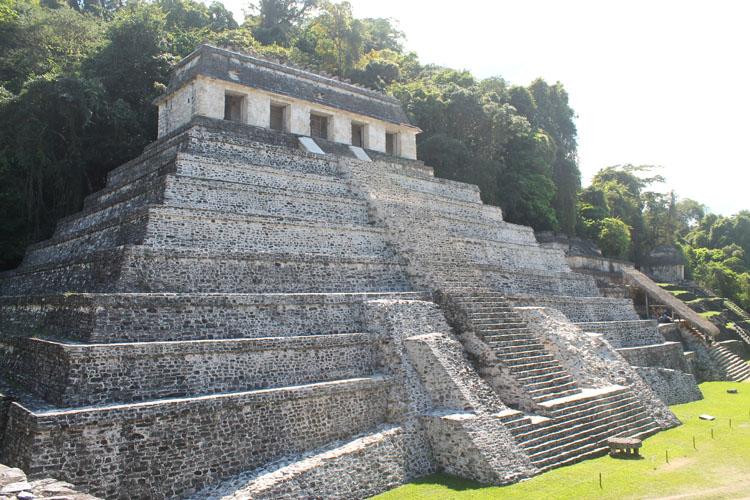 pyramid-palenque-mexico