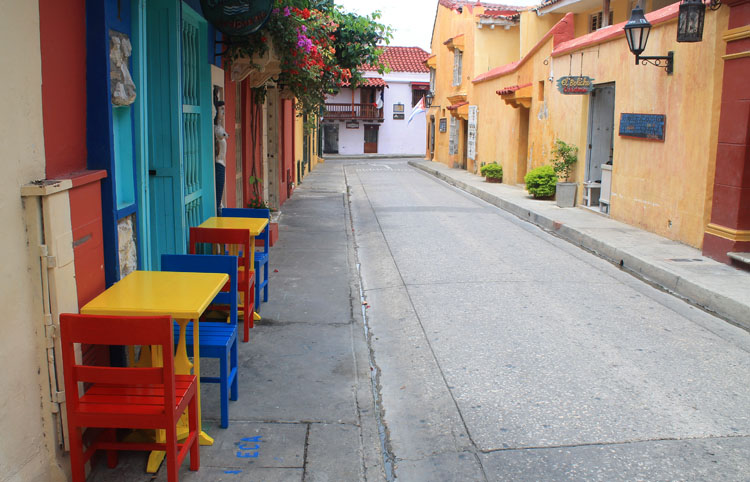 quiet-street-cartagena