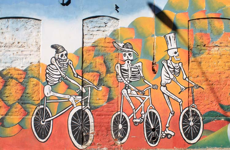 Day trip to Valparaiso, Chile: Street art