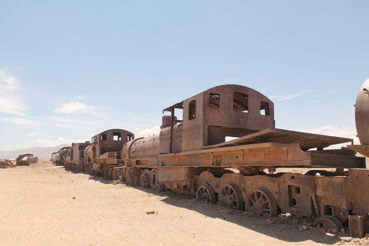 Uyuni salt flat tour, Bolivia: The train graveyard