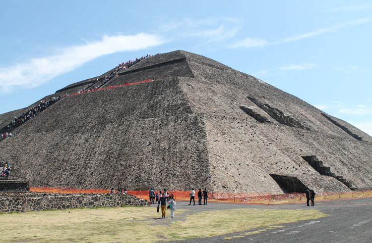 Teotihuacan, pyramids near Mexico City: Pyramid of the Sun