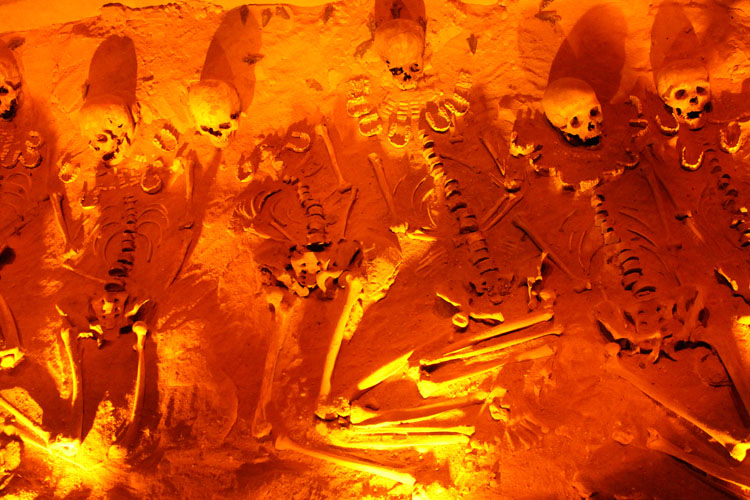 Teotihuacan, pyramids near Mexico City: Human remains in the museum