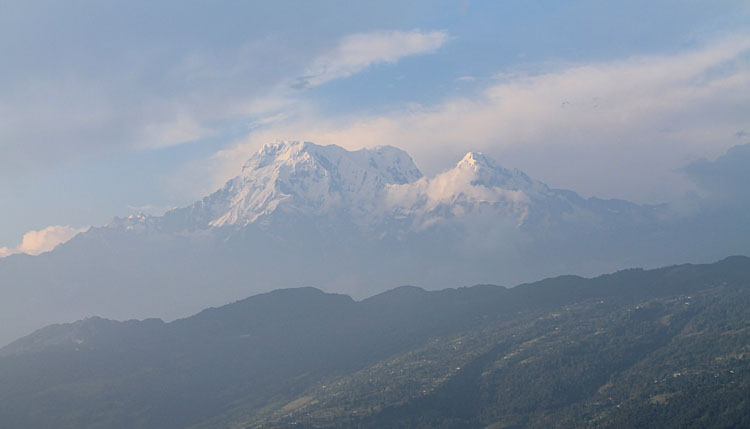 annapurna-range-peace-pagoda
