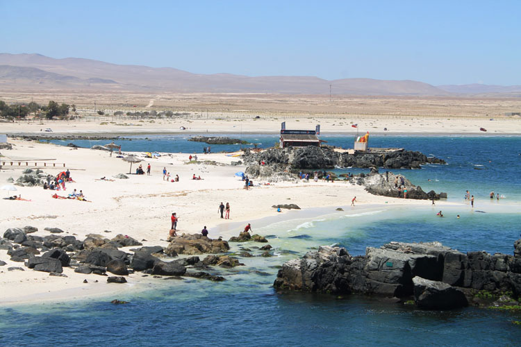 Bahia Inglesia , one of the best beaches in Chile