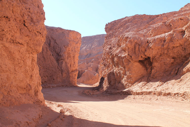 A jounrey to the Valley of the Moon (Valle de la Luna) in Chile -- Death Valley