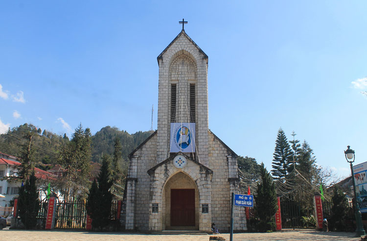 Visiting Sapa in winter -- Sapa Cathedral