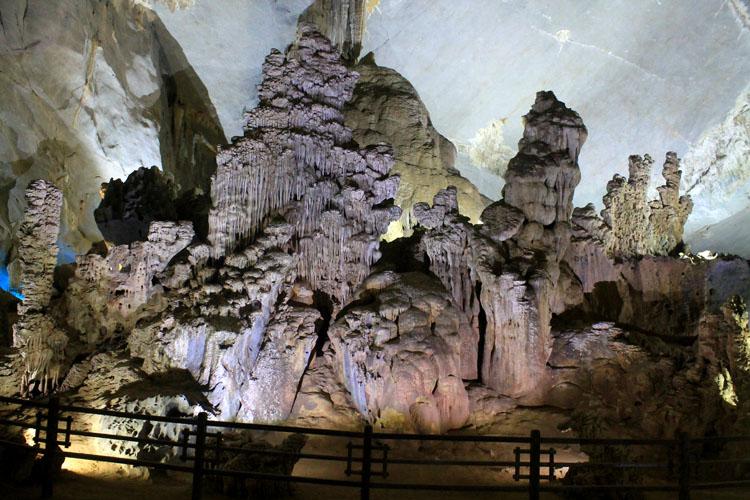 phong-nha-cave-formations