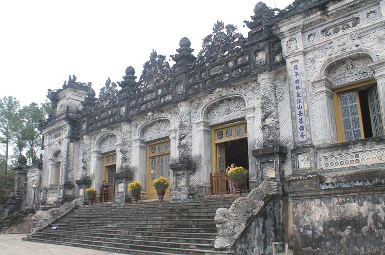 A day in Hue, Vietnam -- Khai Dinh's tomb