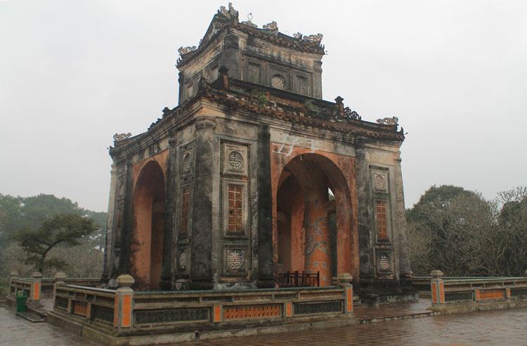 tomb-hue-vietnam