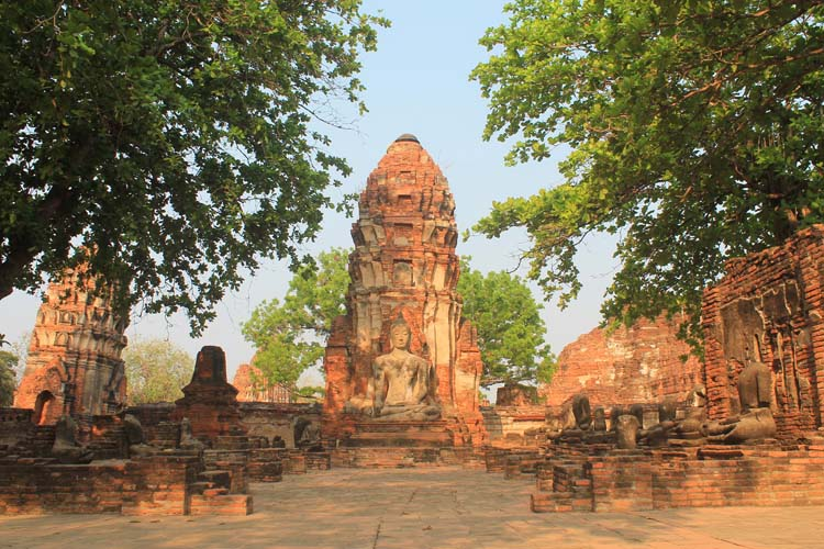 Cycling to the temples in Ayutthaya, Thailand -- Wat Phra Mahathat