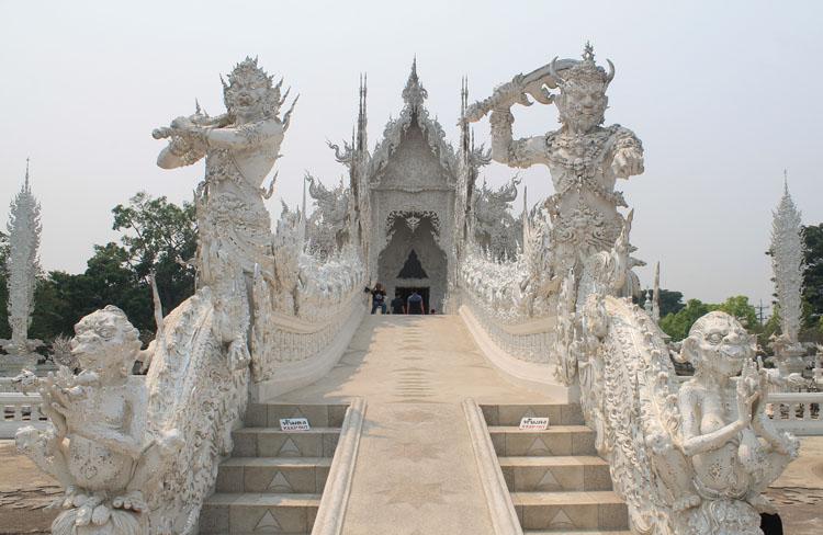 The bridge at Wat Rong Khun, the white temple in Chiang Rai, Thailand