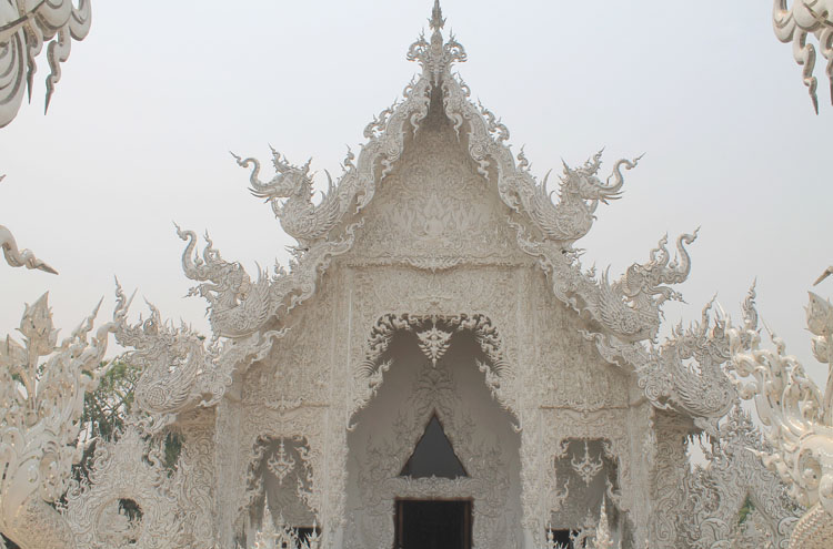 Details on Wat Rong Khun, the white temple in Chiang Rai, Thailand