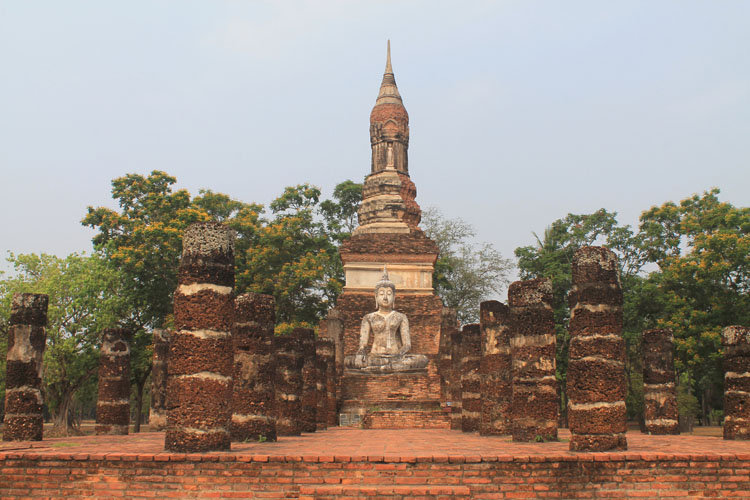 Cycling between Ancient Ruins in Sukhothai, Thailand -- Wat Trapang Ngoen