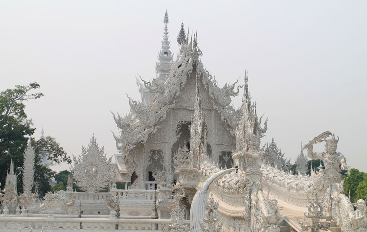 white-temple-chaing-rai