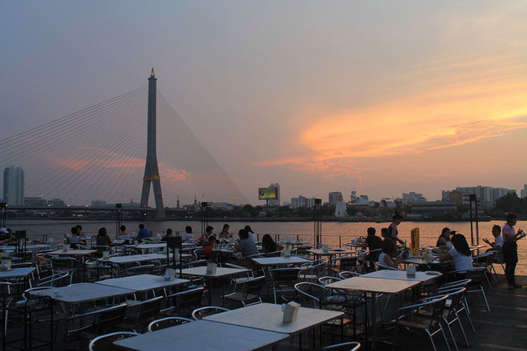 Best things to do in Bangkok, Thailand -- Sunset at Thewek Pier