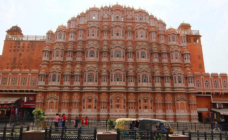 Touring the Forts and Palaces in Jaipur, India -- Hawa Mahal