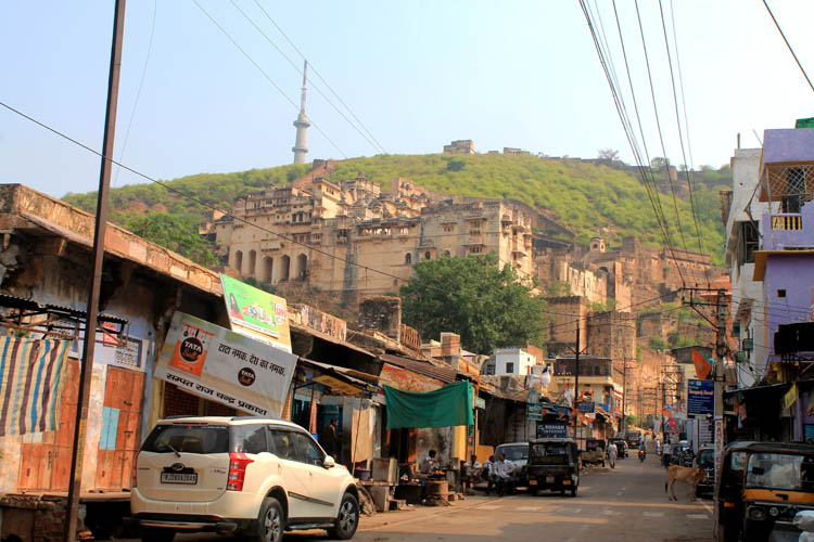 The streets of Bundi, Rajasthan, India -- Garh Palace from street level