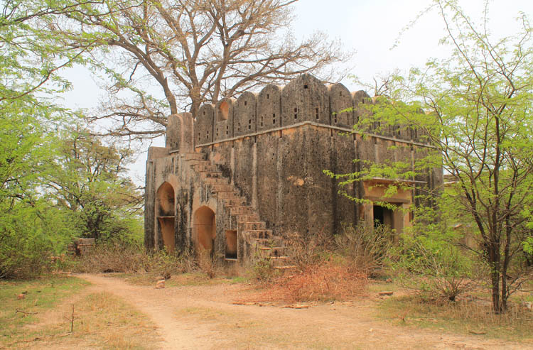 The streets of Bundi, Rajasthan, India -- Taragarh Fort